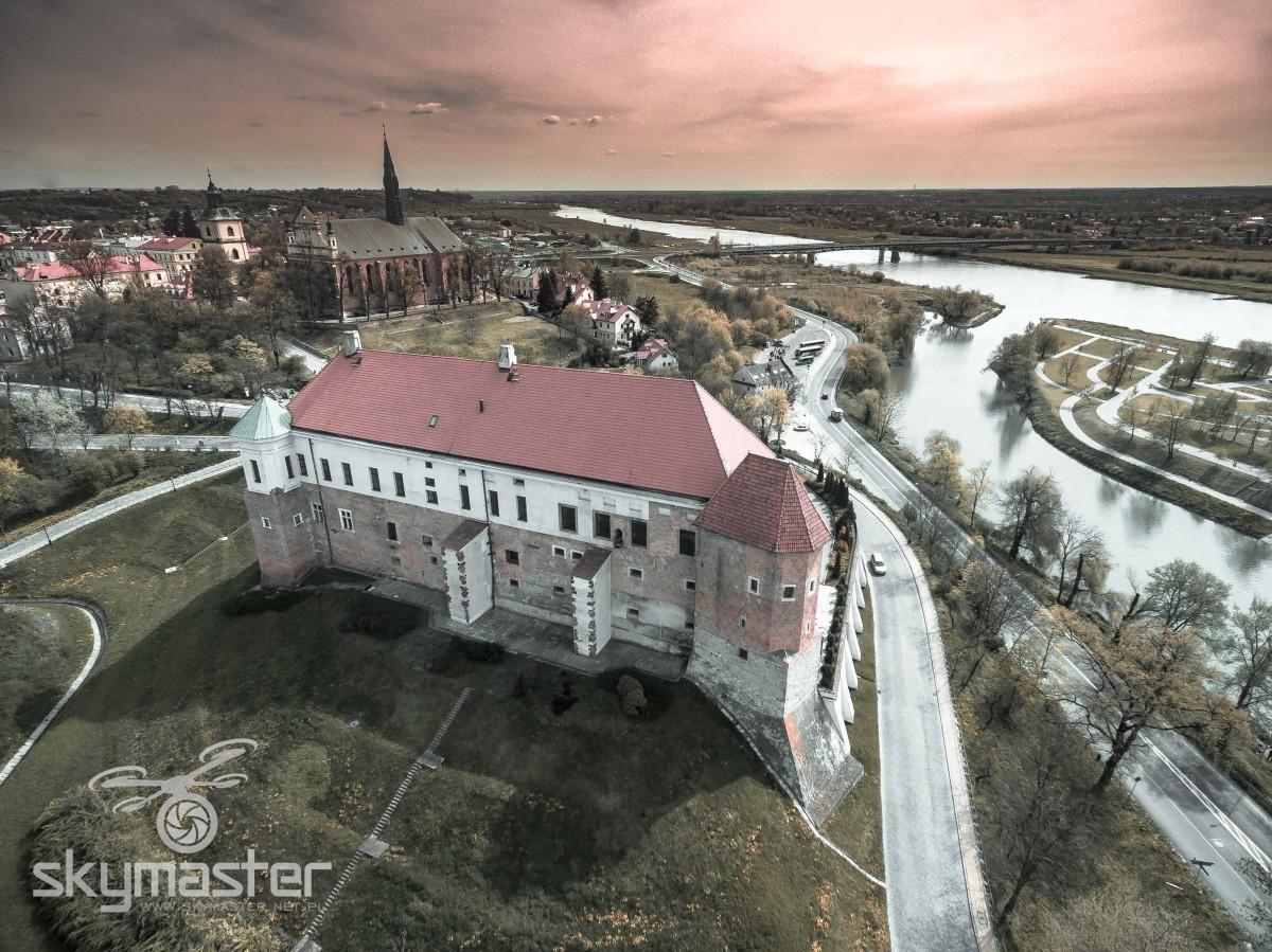 Zamek Sandomierz zdjęcia z drona